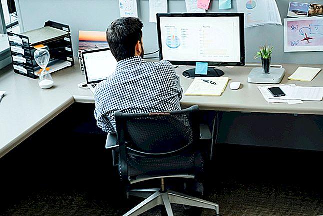 Automaatse arvutuse seadistamine rakenduses Excel 2010